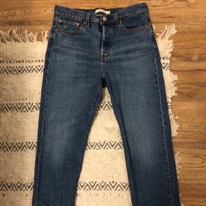 LEVI's Wedgie STRAIGHT Jeans - Size 29